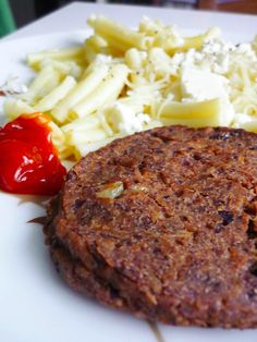 Pour 4 steaks   Ingrédient :   - 1 boîte d'haricots rouges  - 1 c à c ail en poudre  - 1 c à c piment doux en poudre  - sel, poivre  -...