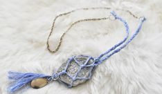 DIY netted stone necklace