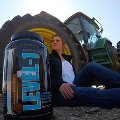 Meal prep takes on new meaning when you're mid way through planting season and both the hours and acres to go seem endless. • Tired. Hungry. And unsure of when the work day will end?!- @1stphorm has a solution for that! That's because 1st Phorm understand