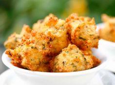Bolinhos de Arroz Assados. Amo os fritos, deixei de comer porque é fritura... Vou experimentar.
