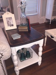 Chalky Finish Side Table Makeover #decoartprojects #chalkyfinish