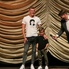 Toni e Leon Kroos Real Madrid, Toni Kroos, World Cup 2014, Boyfriend, Soccer, Football, Mens Tops, How To Wear, Collection