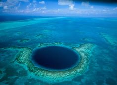 Great Blue Hole - Belize. Huge underwater sinkhole