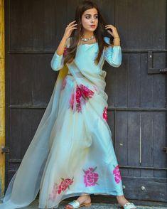 Organza Saree, Pakistani Actress, Printed Sarees, Ethereal, Designer Dresses, Celebs, Hand Painted, Actresses, My Style