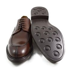 Berwick 1707 Split Toe Derby Shoe - A Fine Pair of Shoes - English Handmade Shoes and Brogues Online Mens Derby Shoes, Men's Shoes, Dress Shoes, Mens Gear, Goodyear Welt, Boots Online, Brogues, Dark Brown, Classic Style