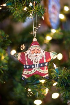 Remember the Star Santas you made in Kindergarten?  This one is timeless in wood.