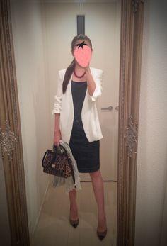 White coat, black dress, leopard print bag, high heels, gray scarf - http://ameblo.jp/nyprtkifml