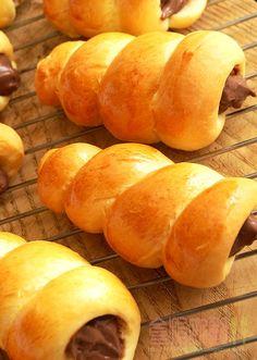 [烘焙菜鳥日誌] 小時候必吃的「巧克力螺旋麵包」怎麼愈來愈難瞧見它了! ~ 食指大動%Food-Funs