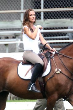 """Tonight's episode is """"Angels in Paradise"""" and features Minka Kelly wearing some very nice riding boots! Woman Riding Horse, Horse Girl, Cowgirl Boots, Riding Boots, Minka Kelly Style, Beautiful Celebrities, Beautiful Women, Female Fighter, Equestrian Outfits"""