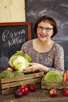 Pirjo Toikkanen kertoo, miten kausikasvikset voi hyödyntää. Watermelon, Food And Drink, Garden, Lawn And Garden, Gardens, Outdoor, Home Landscaping, Tuin