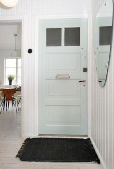 green pastell door
