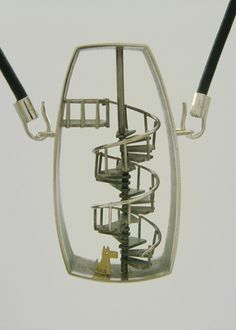 Necklace (2008) Sterling silver, 18 K gold, copper. 20 mm x 45mm x 65mm (Photo: Marie-Ève Martin)