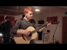 Conor Scott - Somebody That I Used To Know - YouTube