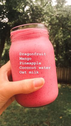 Need some quick and easy but healthy ideas for breakfast or post workout meals? Try this 60 Healthy Smoothie of … Fruit Smoothie Recipes, Yummy Smoothies, Smoothie Drinks, Breakfast Smoothies, Superfood Smoothies, Drink Recipes, Banana Smoothies, Lunch Smoothie, Smoothie Ingredients