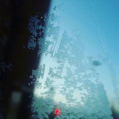 Frío polaaaaaaar #frio #hielo #winteriscoming #cerdanyola Visit www.jluislopez.es