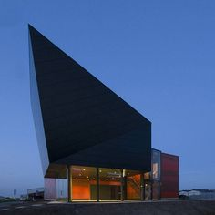 electric-boat-house-in-the-netherlands