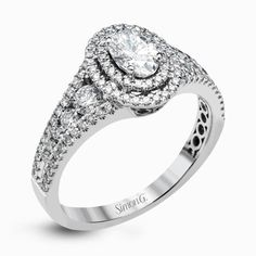 MR2588_engagement-ring_main_1000