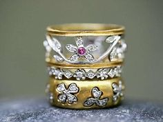 Diamond Rings : pink sapphire floral band