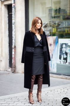 Like a fashion editor: dress with metallic leggings and lace up heels