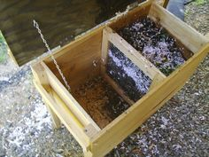 I have a cedar worm bin just like this!