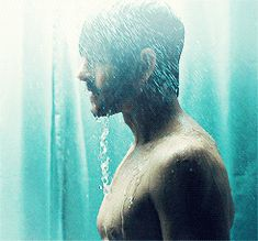 I've been hoping to find a pic of the shower scene from Hannibal for a while...and it was worth the wait... ;)