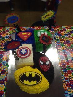 Superhero Birthday Cake > Like this one a lot! 5th Birthday Cake, Superhero Birthday Cake, Avengers Birthday, 6th Birthday Parties, Superhero Party, Birthday Ideas, Avenger Cake, Party Cakes, Birthdays