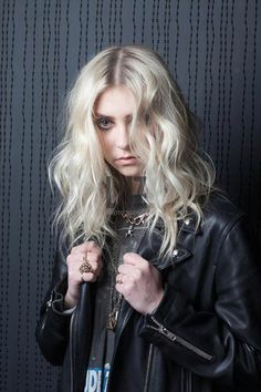Taylor Momsen as Nelly