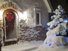 GINGERBREAD LOVES SNOWMAN