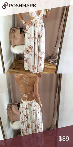 Beautiful floral maxi dress Beautiful floral maxi dress Dresses Maxi