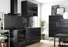El color negro en la cocina - http://www.decoora.com/color-negro-la-cocina/