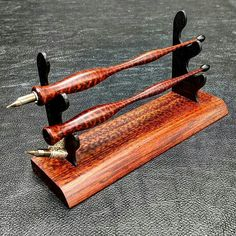 Snakewood and Ebony Desk Set. Done in a natural tung oil finish, this is something I have wanted to make for a long time. Fountain Pen Drawing, Fountain Pen Ink, Calligraphy Tools, Pen Blanks, Pen Design, Pen Turning, Dip Pen, Wood Turning Projects, Feathers