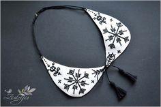 Zubiju: Guleras cu motive traditionale romanesti din zona ... Diy Jewelry, Beaded Jewelry, Handmade Jewelry, Jewellery, Pearls, Sandals, Google Search, Fashion, Fimo
