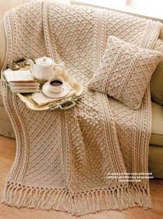 Motifs Afghans, Knitted Afghans, Afghan Crochet Patterns, Knitted Blankets, Knitting Patterns, Pillow Patterns, Sewing Patterns, Crochet World, Crochet Home