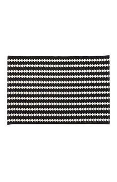 This triangle print cotton rug is the ultimate kids room accessory! Black and white tones will ensure it compliments any room. x cotton Kids Room Accessories, Hipster Decor, Triangle Print, Aztec Rug, New Room, Little People, First Birthdays, Compliments, Nursery