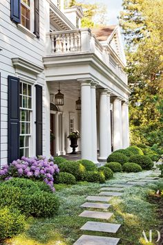 These lush landscapes—including the gardens of Julianne Moore and Patrick Dempsey—will have you dreaming of afternoons spent outdoors. | archdigest.com
