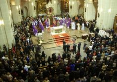 Santa Faz Pilgrimage. Santa Faz Pilgrimage is one of Alicante's most popular festivals, when around 200,000 people walk in pilgrimage from the centre of the city to the Monasterio de Santa Faz.