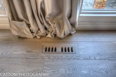Nice vent to which fits Lauzon Flooring Fifth Avenue Wire Brushed hardwood flooring from the Urban Loft Series. #interiordesign #hardwoodfloor #artfromnature