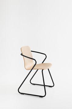 Flexible dining chair by Adolfo Abejon