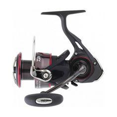 Κατασκευασμένο από Carbon Zaion ο Daiwa Ballistic LT είναι ένα διαμάντι στα χέρια σας. Αναλόγως την πομπίνα του σε μέγεθος είναι κυρίαρχος μηχανισμός ψαρέματος για Spinning, Jigging ή για ψάρεμα από την βάρκα. Pesca Spinning, Stationary, Gym Equipment, Bike, Fishing Reels, Sports, Bicycle, Bicycles, Workout Equipment