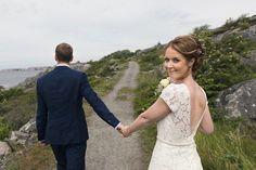 Från #björkö with #love. Vilken fantastisk dag. Vilket fantastiskt #brudpar. Det r en ära att få följa er Anton och Elinor. Jag önskar er all #lycka. #bröllop #bröllop2018 #wedding #weddingphotography #bröllopsfotograf #kärlek #göteborgsskärgård #bröllopsfoto #vigsel #seaside #septemberhimmel #bryllup