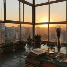 living for the aesthetic De Todo Seoul Apartment, Apartment View, Apartment Goals, Korean Apartment Interior, New York City Apartment, Future House, My House, Restaurant Hotel, Dream Homes