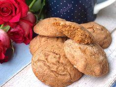 #Cookies με #πετιμέζι #nostimiesgiaolous Chocolates, Christmas Cookies, Bread, Desserts, Food, Crack Crackers, Food Cakes, Xmas Cookies, Tailgate Desserts