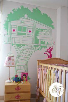 La Casa en el Arbol de Sarita y su gata rosadita
