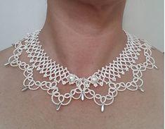 Chose collier avec perles de rocaille Swarovski par CorinaMeyfeldt