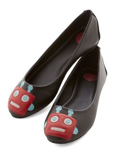 Smiling Gear to Ear Flat in Black. Amp up the voltage on todays look by slipping into these ModCloth-exclusive, robot-adorned flats! #black #modcloth