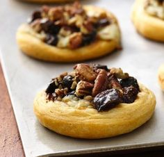 Fig and Blue Cheese Appetizer Tarts Recipe this Pillsbury® crescent rolls make easy work of these party appetizers filled with a delicious fig-orange mixture. Fig Appetizer, Cheese Appetizers, Appetizers For Party, Appetizer Recipes, Appetizer Ideas, Popular Appetizers, Croissant, Goat Cheese, Gourmet