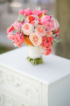 Finding the Right Bridal Bouquet Size | Photo by: Katelyn James | TheKnot.com