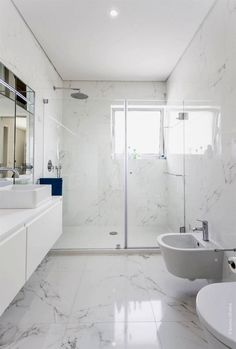Luxury Bathroom Master Baths Paint Colors is agreed important for your home. Whether you pick the Luxury Master Bathroom Ideas or Luxury Bathroom Master Baths Benjamin Moore, you will make the best Small Bathroom Decorating Ideas for your own life. Marble Tile Bathroom, Bathroom Wall Decor, Bathroom Interior Design, Bathroom Flooring, Modern Bathroom Design, Bathroom Ideas, Bathroom Mirrors, Bathroom Cabinets, Bath Design