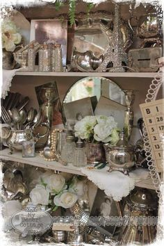 Sharing my love of all things vintage, and aged with the patina of time. Vintage Display, Antique Store Displays, Antique Mall Booth, Antique Booth Ideas, Antique Stores, Market Displays, Retail Displays, Merchandising Displays, Booth Decor