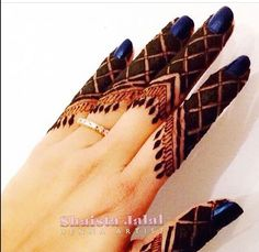 Easy and Beautiful Finger Mehndi Designs - Kurti Blouse Henna Hand Designs, Mehndi Designs Finger, Khafif Mehndi Design, Indian Henna Designs, Mehndi Design Pictures, Mehndi Designs For Fingers, Beautiful Mehndi Design, Mehndi Patterns, Best Mehndi Designs